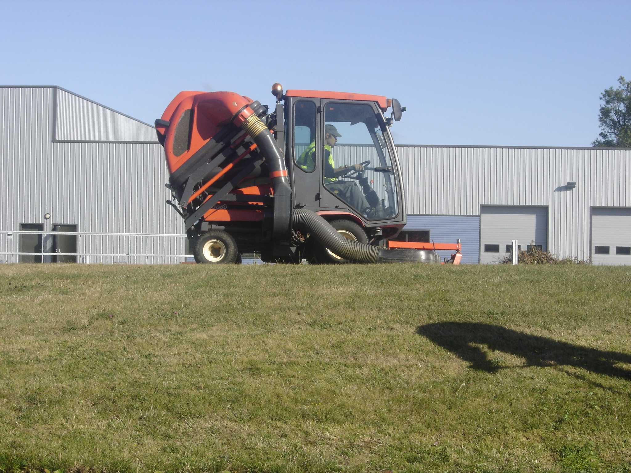 travail protégé et adapté EA ESAT Normandie Eure travailleurs handicapés ou en situation de handicap entretien espaces verts et petit travaux batiment
