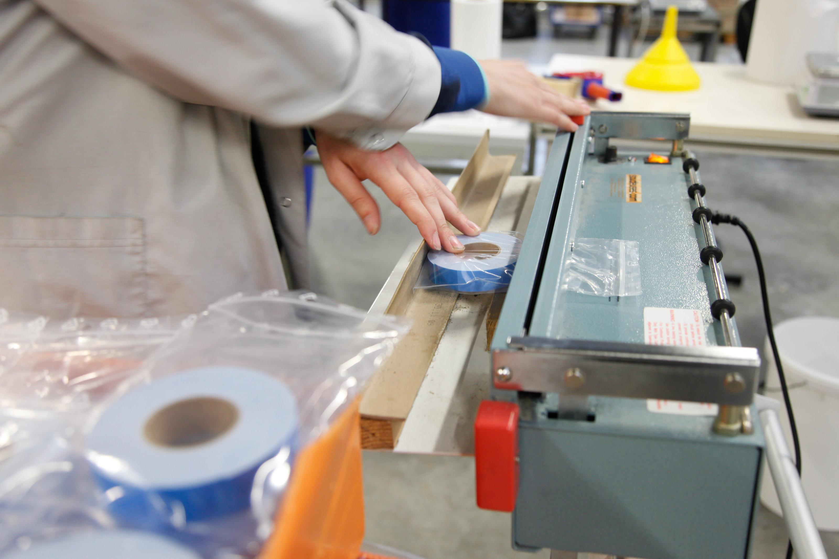 ESAT Les Ateliers des Rives de L'Eure (Val de Reuil) - Fabrication et remplissage produits d'entretien