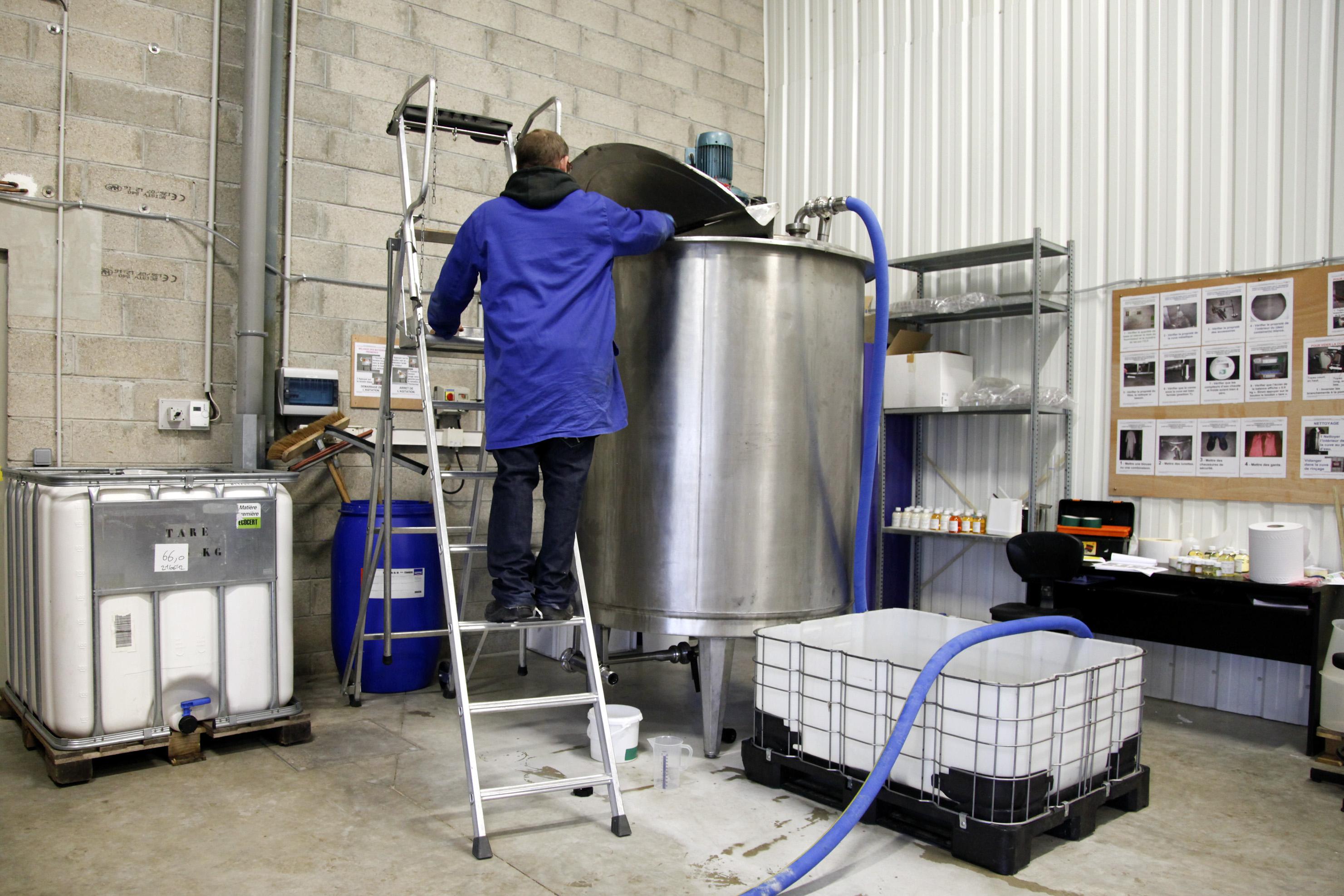 ESAT Les Ateliers des Rives de L'Eure (Val de Reuil)- Fabrication et remplissage produits d'entretien