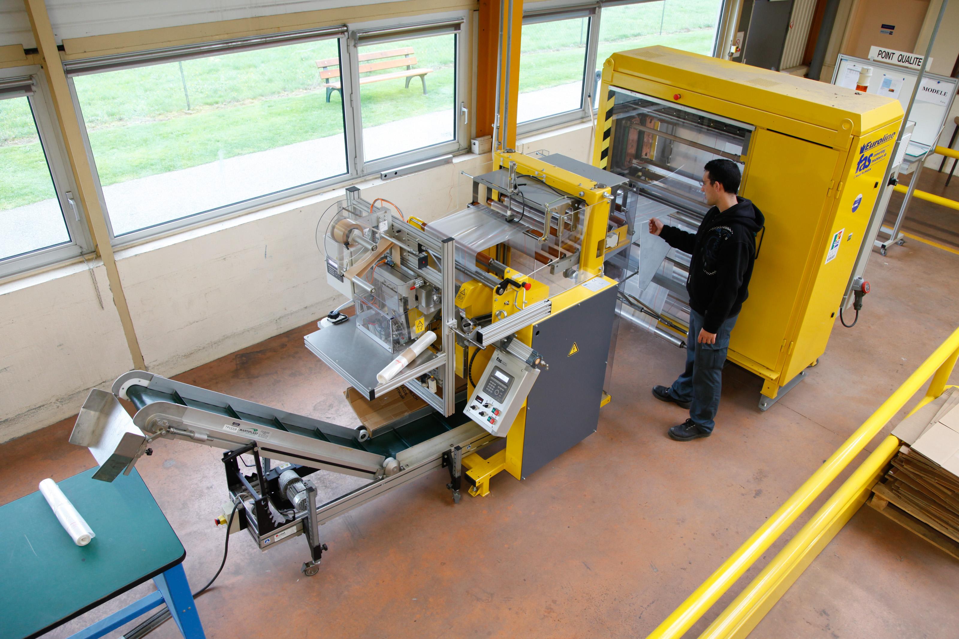 ESAT du Parc Saint Denis (Verneuil Sur Avre) - Fabrication De Sacs Poubelles